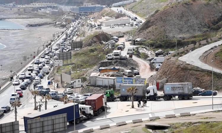 10 sitios que sí son un caos según Cucurull comparados con la frontera