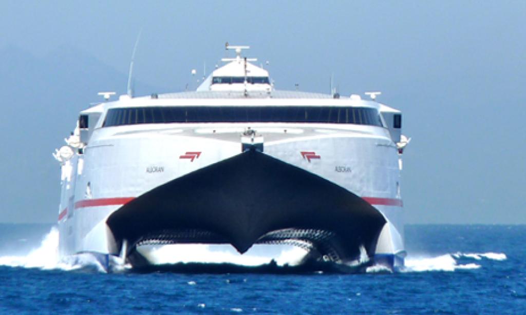 Subvencionan cursos para tomarse con 'alegría' los precios del barco