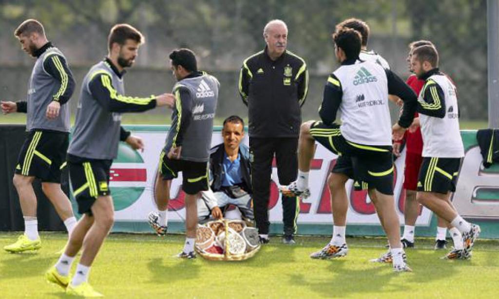 "Del Bosque se lleva al 'Vitamina' a Brasil para darle a sus jugadores ""vitamina, vitamina"""